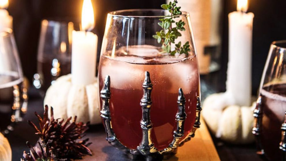 7 Spooky Cocktails to Try For Halloween